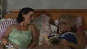 Two girl lesbian threesome having lesbian sex