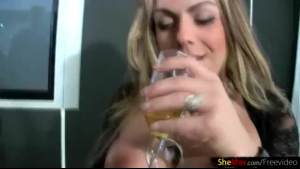 Blonde in glass banged shemale lick and play