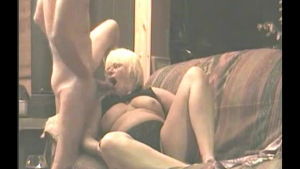Small titted girl and two married guys are taking turns in reality-sex with her, on the sofa