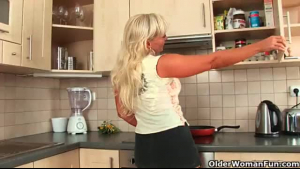 Blonde woman in black bra, Vicky Heaveni is getting banged, while fisting her ass hole