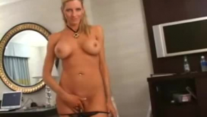 Busty Emma deserved to break free of her painful boyfriend and experience an orgasm