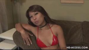 Two asian pornstars actioning their dildo