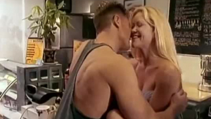 Linda Meadows is always in the mood to fuck until she has a messy, full orgasm