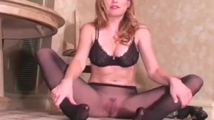 Jamie Lynn sexy Czech sizzler has tits and muff fisting
