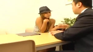 Asian babe getting her pussy licked by hot teen