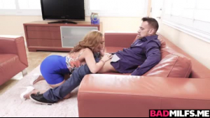 Brenna Sparks gives a short interracial massage to her masseur and sees his twat
