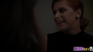 Sexy redheaded mommy Jenn wanking