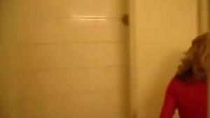Amateur MILF posing in the bathroom