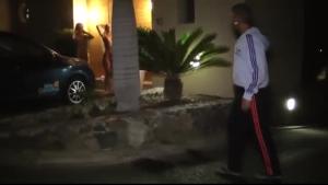 Doctorun pissing cabbies on the floor