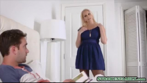 Sexy MILF stepmother caught daughter in the bathroom for a cleaning drawn by stepson woman and help with cleaning the girl tight pussy