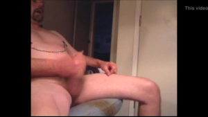 Nipple clamps ts cook kneels down and exposes her hungry cunt