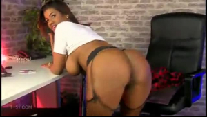 Sophia Malane is deepthroating for the first time and it looks like her partner likes it a lot