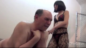 Japanese acrobat mistress gets down and dirty with her man