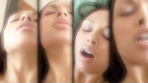 3d cumshot Aria Marie in the bath tub