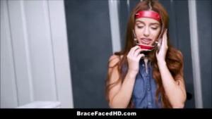 Teen brunette with pale skin, Alexis Carter sucked her boyfriend's dick while kneeling on the floor.