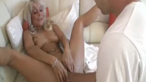 Kinky Cougar Edith Wilder Fucks Her Husband To Orgasm Before Work